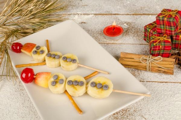 Рецепт                  Детский Новый год: Снеговики из фруктов