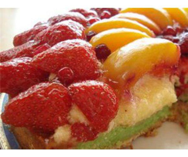 Рецепт                  Торт с фруктами и взбитыми сливками