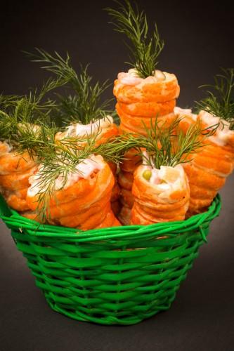 Рецепт                  Детская Пасха: Слоеные морковки с яичным салатом