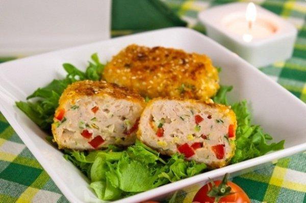 Рецепт                  Котлеты с болгарским перцем и чесноком