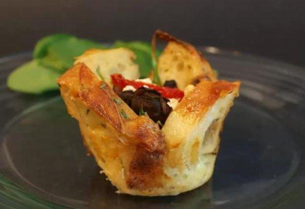 Рецепт                  Хлебные чашечки с грибами и помидорами