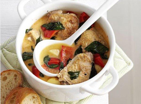 Рецепт                  Жаркое из курицы с картофелем и болгарским перцем