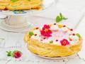 Рецепты на 8 марта: Торт из заварного теста с ягодным кремом