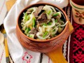 Картофельный салат с маринованными грибами