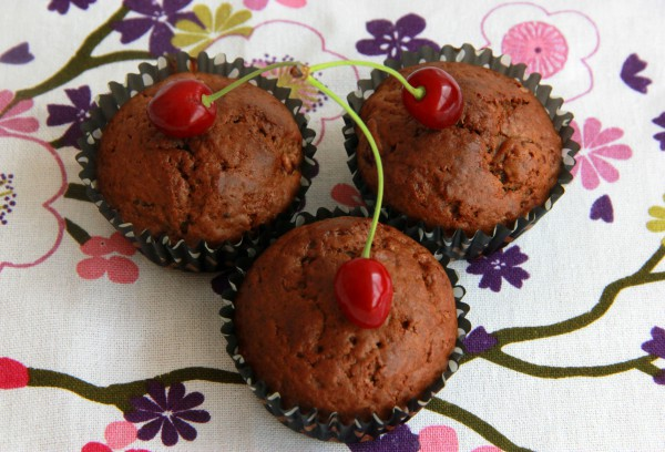 Рецепт                  Шоколадные кексы с какао и вишней