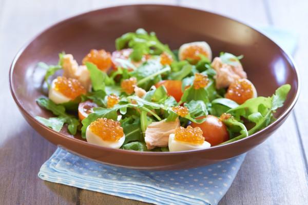 Рецепт                  Новогодние рецепты: Салат с перепелиными яйцами