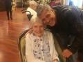 Джордж Клуни порадовал свою 87-летнюю фанатку