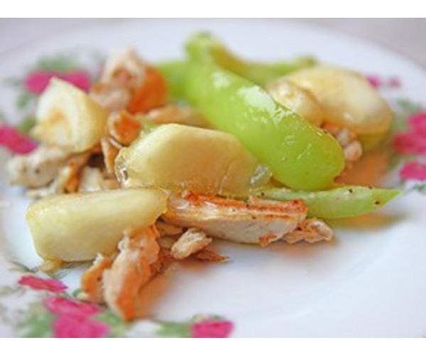 Рецепт                  Куриный салат с карамелизированными яблоками