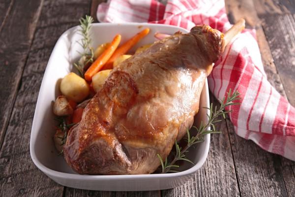 Рецепт                  Запеченная баранья нога с овощами
