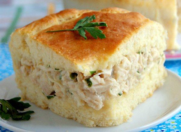 Рецепт                  Пирог с курицей и соусом бешамель