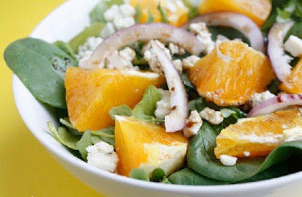 Рецепт                  Салат из апельсинов с красным луком и сыром