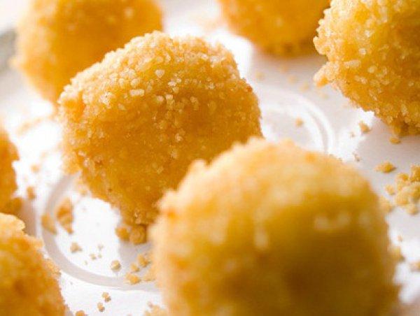 Рецепт                  Сырные шарики в арахисе