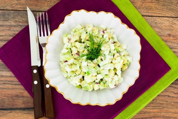 Весенний салат из авокадо