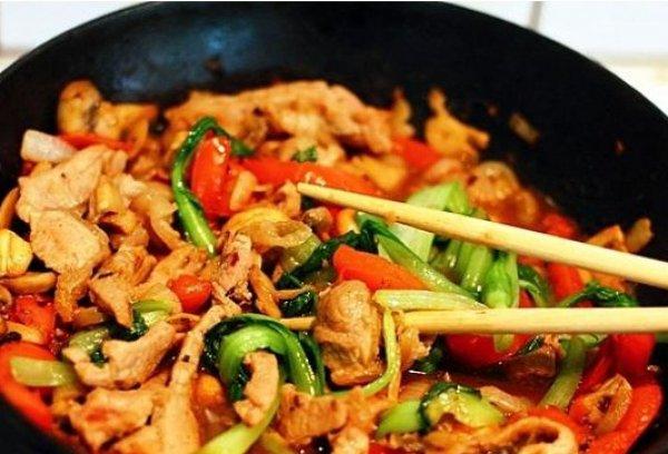 Рецепт                  Телятина с овощами в китайском стиле