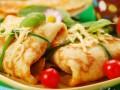 Что приготовить на Масленицу: Блинные конвертики под сыром