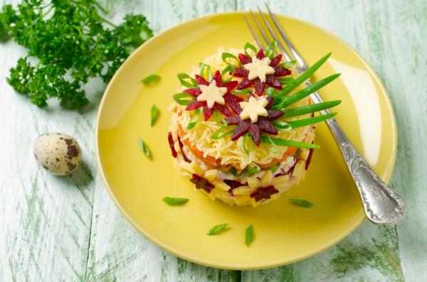 Красивый салат на 8 марта