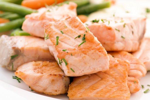 Беременным полезно кушать рыбу