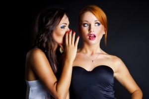 Рассказывая подруге об измене мужа, будь готова к любым неприятностям