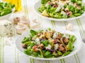 Рецепты салатов с грибами и сыром: три вкусные идеи
