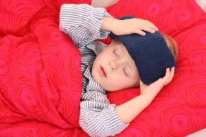Возбудителем заболевания является гемолитический стрептококк.  Чаще всего подвержены инфекции дети от 3 до 9 лет.