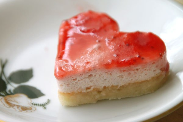 Рецепт                  Кокосово-клубничное пирожное Валентинка
