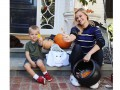 Как звезды с детьми отметили Хэллоуин: Фото