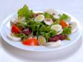Салаты из перепелиных яиц: ТОП-5 рецептов