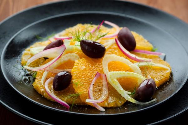 Рецепт                  Великий пост 2015: Салат из апельсинов с оливками и луком