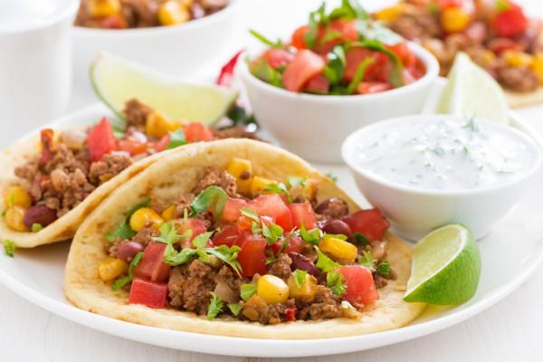 Рецепт                  Мексиканские такос с мясом, овощами и сыром