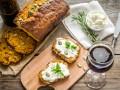 Тыквенный хлеб с чесноком и перцем