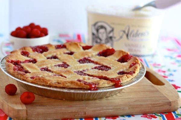 Рецепт                  Пирог из свежей малины