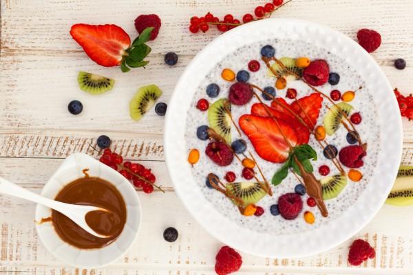 Рецепт                  Полезный завтрак: Каша с фруктами и семенами чиа