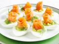 Фаршированные яйца: Три рецепта к Новому году
