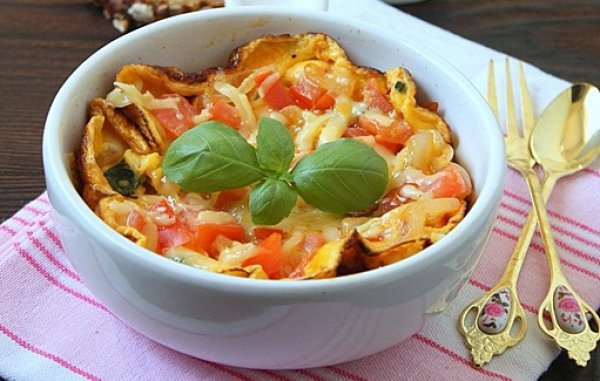 Рецепт                  Субботний завтрак: Омлет с помидорами и сыром