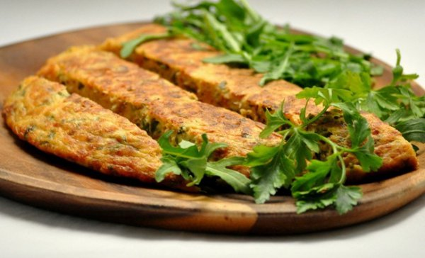 Рецепт                  Омлет с тунцом, зеленью и сыром