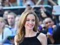 Анджелина Джоли впервые вышла на публику после удаления груди