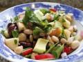 Постный салат с фасолью: три вкусные идеи
