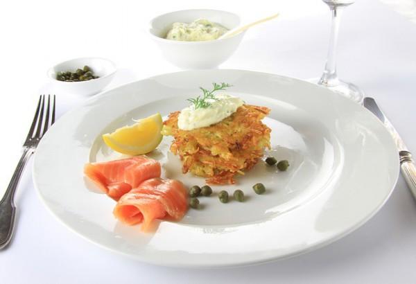 Рецепт                  Драники с соленым лососем