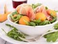Салаты из дыни: ТОП-5 летних рецептов