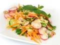 Салат из редиса с огурцами и сладким перцем