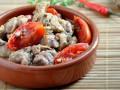 Пасхальный рецепт: Мясо, тушеное с томатами и пряными травами