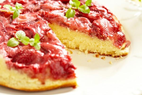 Рецепт                  Перевернутый клубничный пирог