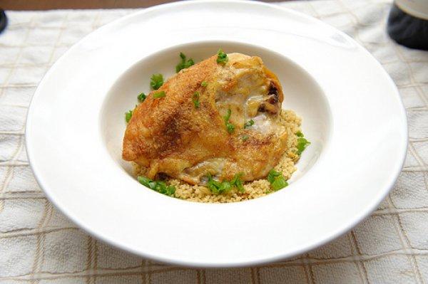 Рецепт                  Курица в соусе с зеленым луком
