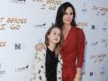 10-летняя дочь Кортни Кокс шокировала макияжем и каблуками