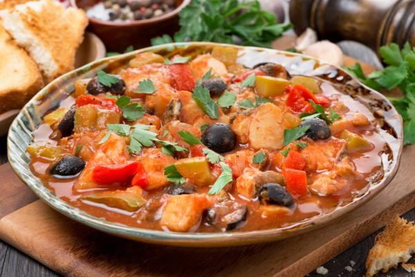 Рецепт                  Рыба с маслинами, грибами и помидорами