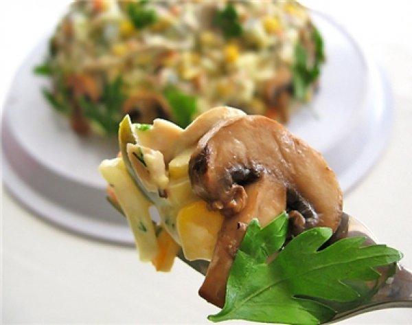 Рецепт                  Осенний салат с грибами и кукурузой