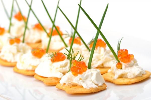 Рецепт                  Новогодние рецепты: Крекеры с икрой и сливочным сыром