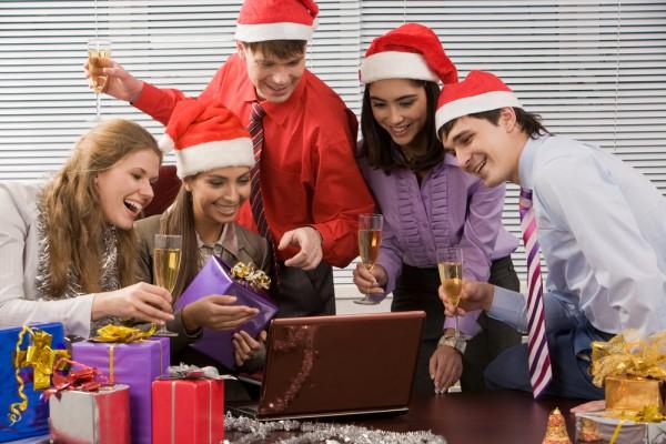 Поздравления с новым годом коллегам на корпоративе