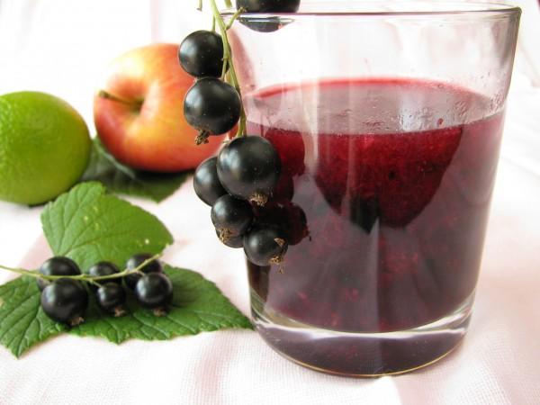 Рецепт                  Смузи из черной смородины и яблок