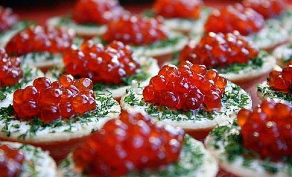 Рецепт                  Тарталетки с красной икрой и сливочным сыром